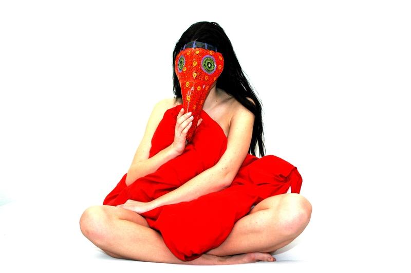 Raudona- meiles spalva
