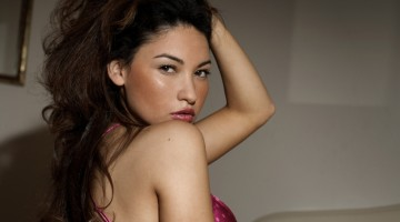 Pornografija skatina moteris plastinėms operacijoms