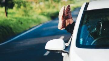 Seksas automobilyje: kai aistra verčia sukti iš kelio
