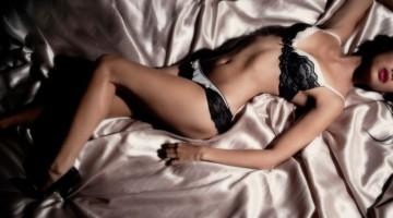 Erotinė fotosesija įmanoma ir namų sąlygomis