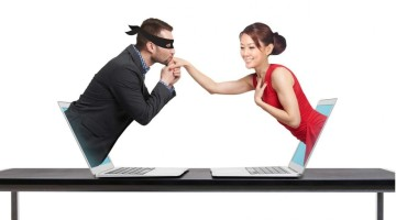 Internetiniai pasimatymai: kaip atpažinti melą?