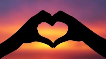 Kaip meilė padeda kelti savivertę?
