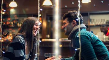 Apie ką kalbėti per pirmąjį pasimatymą?