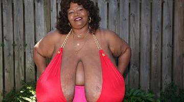 Didžiausios natūralios krūtys (foto, video)