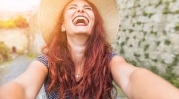 Kokios moterys atkreipia vyrų dėmesį?