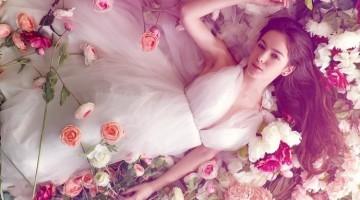 Gėlės suminkština moters širdį, net ir per atstumą...