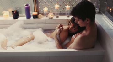 Meilės žaidimai vonioje