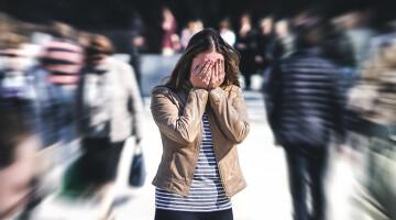 Ką daryti prieš pasimatymą, jei jus kankina panikos priepuoliai?