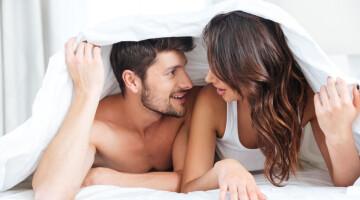 Tyla ar aistringi pokalbiai lovoje?