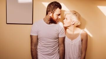 10 ženklų, kad jūsų santykiai sparčiai ritasi į... niekur