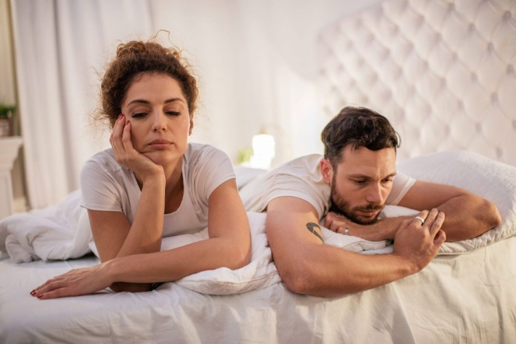 12-spouse-fell-out-love-couple-bed.jpg