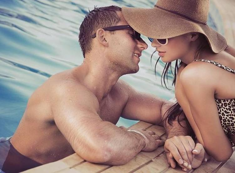 20-desire-cruises-pool-deck-love.jpg