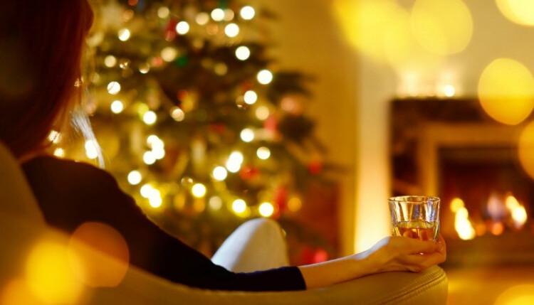 Alone-On-Christmas.jpg