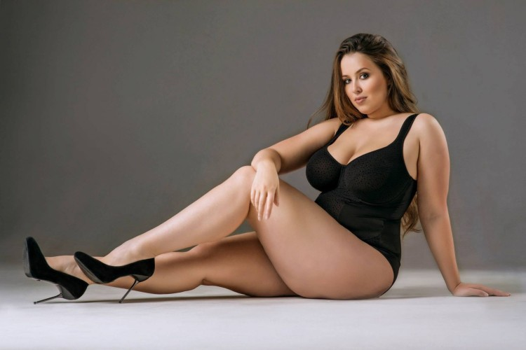 Hot-Plus-Size-Models-Pictures-and-Wallpapers-44_usewhm.jpg
