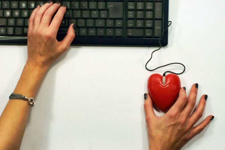Online_Dating.jpg