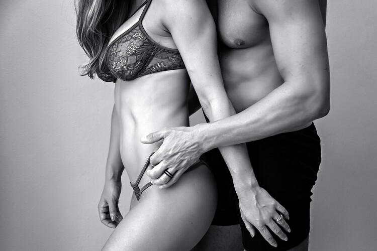 Sexy-Couple-Beach-and-Boudoir-Photography_0008.jpg