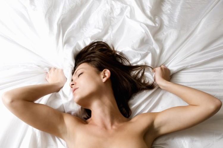 Woman-having-orgasm-514026.jpg