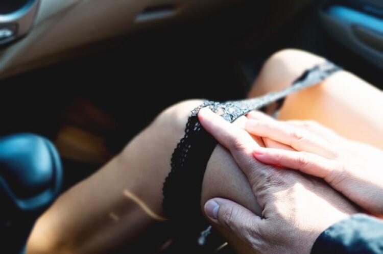 car-sex.jpg