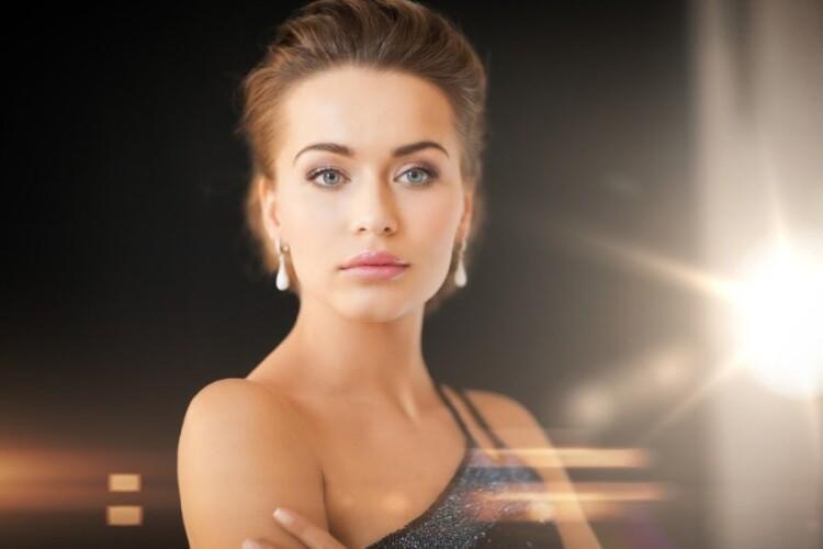 grozis-moteris-portretas-65988970.jpg