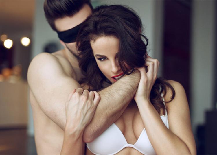 hotel-couple-sex-171215-640x457.jpg