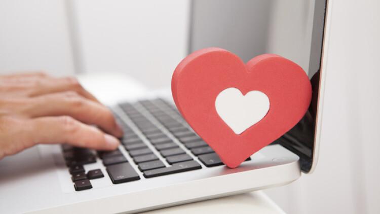 internet-dating-tips-to-stay-safe-online-136405060985302601-160408150809.jpg