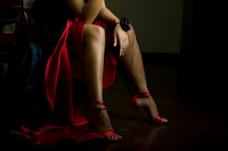 lady-in-red-featured-photo-520x345.jpg