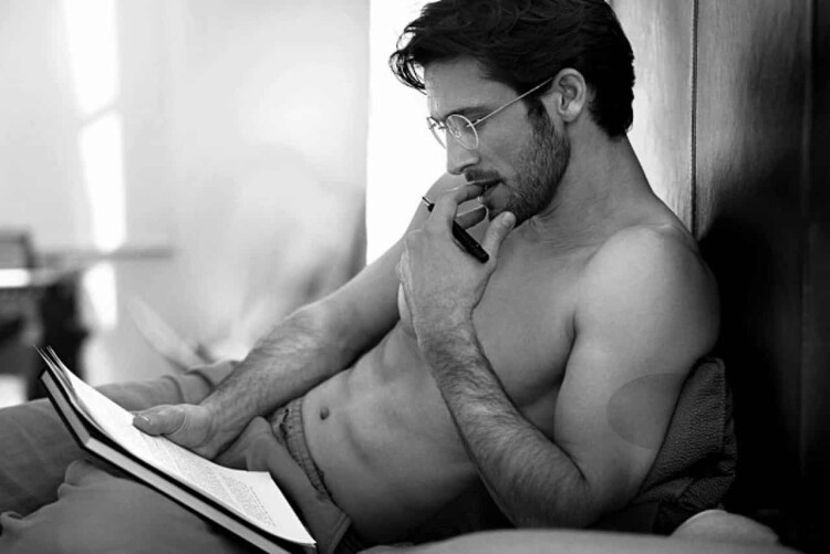 man-reading-sexy-in-bed.jpg